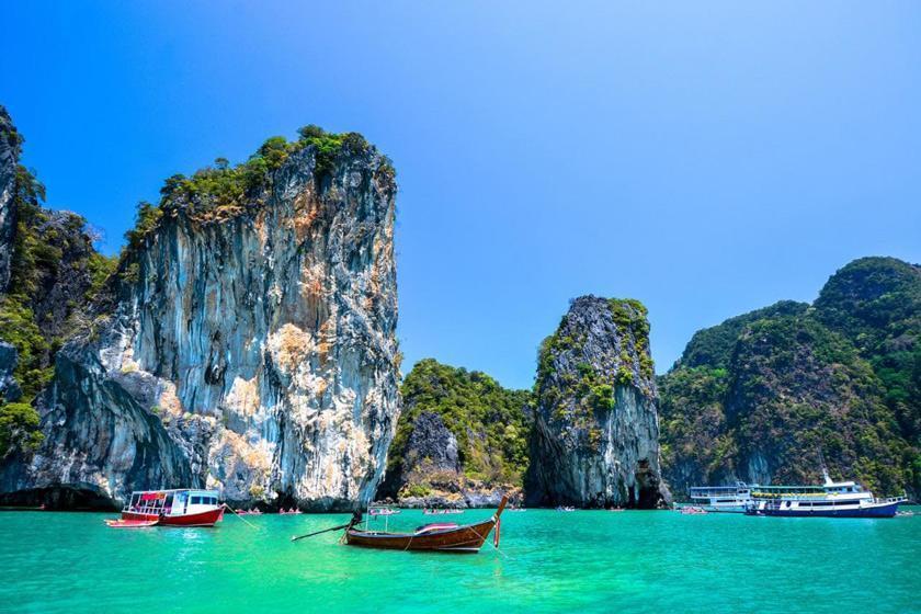 بهترین زمان سفر به پوکت؛ جزیره آب های زمردین تایلند