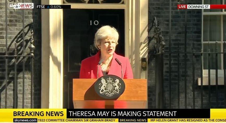 ترزا می از نخست وزیری انگلیس استعفا داد