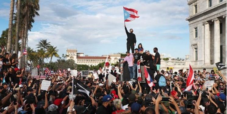 هزاران پورتو ریکویی علیه فساد فرماندار تظاهرات برپا کردند
