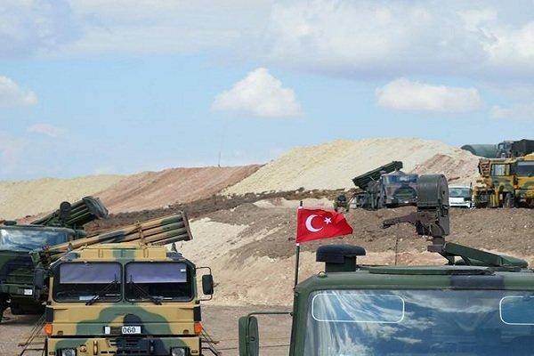 استقرار خودروهای زرهی ترکیه در مرز سوریه