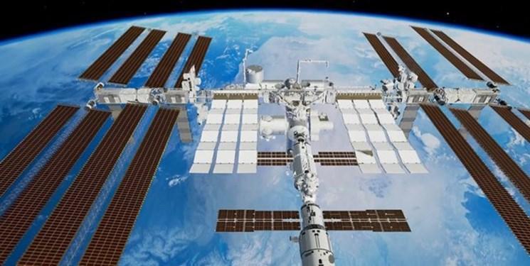 تصویر ناسا از پیاده روی یک زن در ایستگاه فضایی