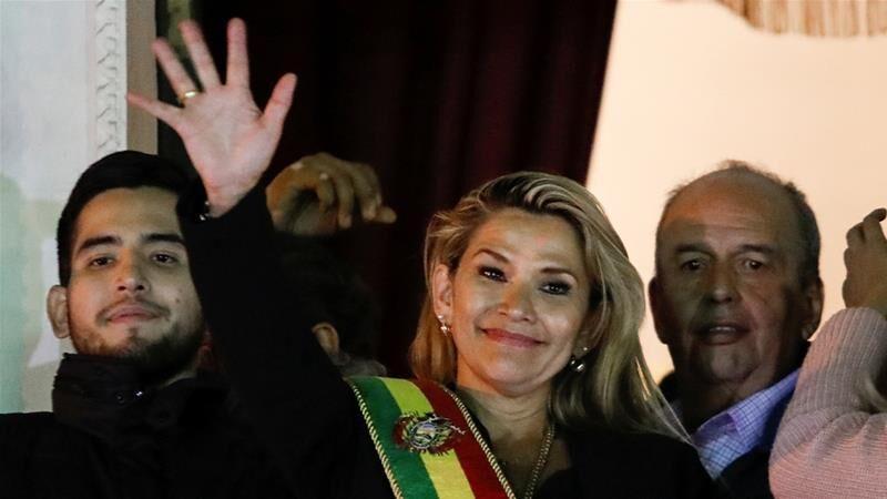 حمایت ارتش بولیوی از رئیس جمهوری خودخوانده