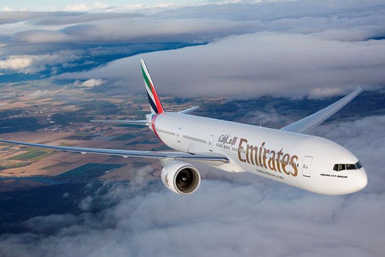 فرود نخستین پرواز شرکت هواپیمایی امارات در مشهد
