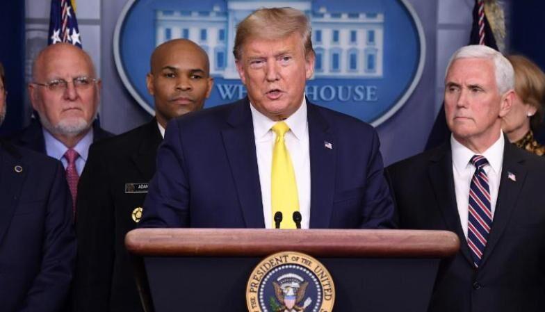 خبرنگاران وعده ترامپ به کارگران آمریکا برای کاهش اثرات کرونا