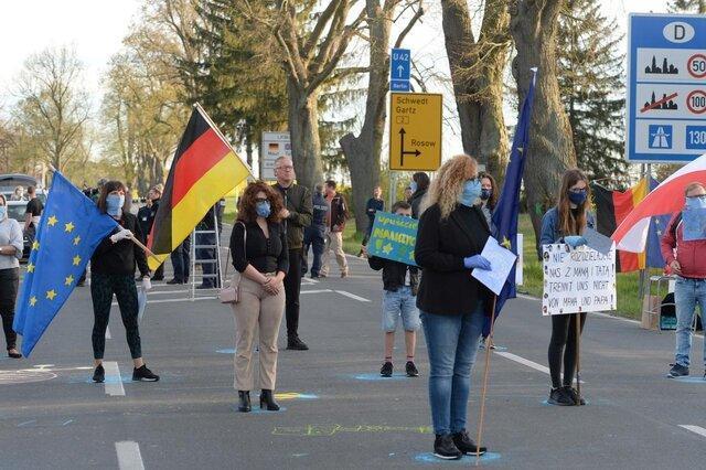 صدها تن در اعتراض به بسته شدن مرز لهستان و آلمان تظاهرات کردند
