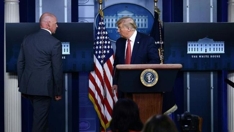 قطع کنفرانس خبری ترامپ به دلیل تیراندازی