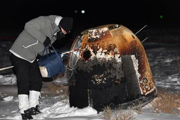 نمونه دوم سطح کره ماه هم به زمین آمد