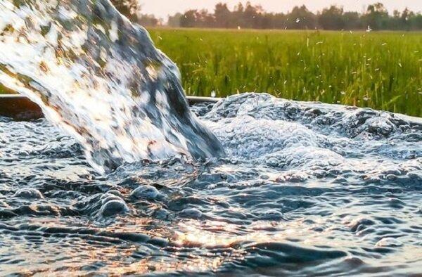 راه حل های علمی احیای آب کاشان آنالیز شد ، درخواست یاری از خیرین برای تأمین بودجه اجرای طرح های آبی