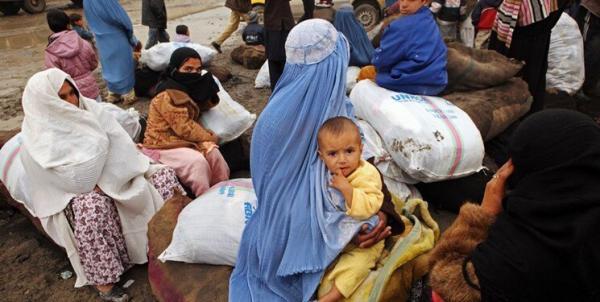 اسکان هزاران پناهنده افغان در مرز تاجیکستان